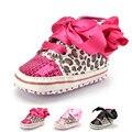 2016 Moda Da Cópia do Leopardo Do Bebê Lantejoulas Sapatos Para Crianças Meninas marca Menina Sola Macia Do Bebê Primeiros Caminhantes Sapatos Infantis Rendas Up
