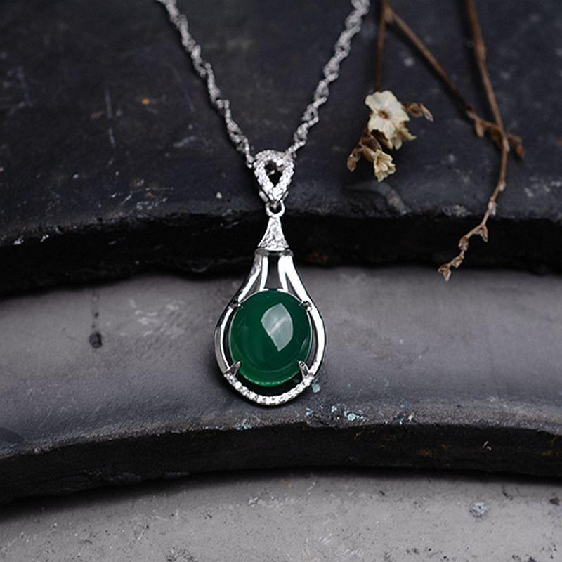a55428d3107 Haute qualité vert 925 Argent Véritable naturel vert calcédoine pendentif  goutte collier bijoux femmes petite amie cadeau