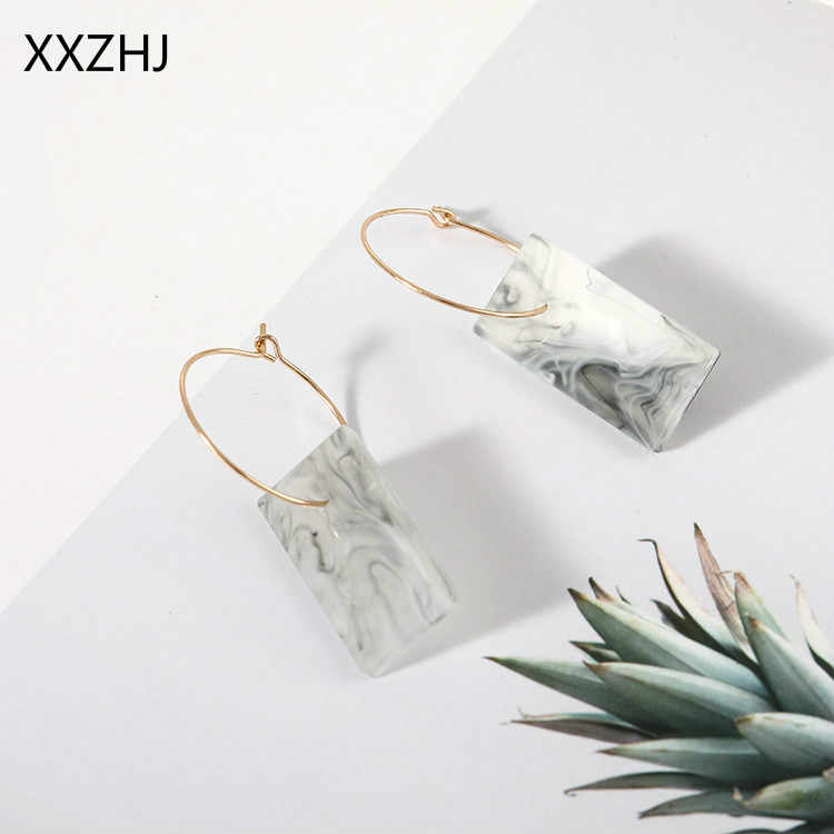 Free Shipping 2019 Fashion New Earrings Temperament Personality White Square Shell Sweet Ladies Earrings Gift Wholesale Trendy