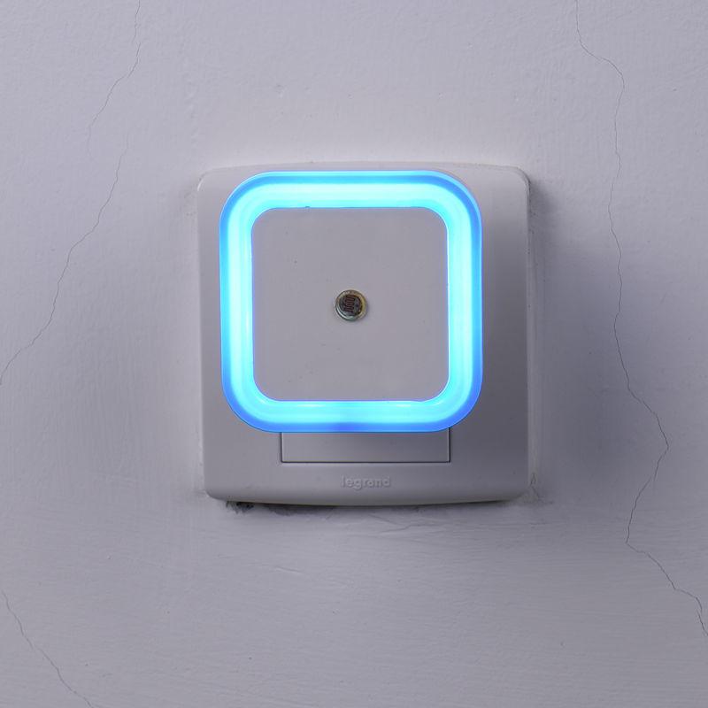 Auto LED Light Induction Sensor Control Bedroom LED Night Lights Bed Lamp EU Plug 100V-220V 0.5W