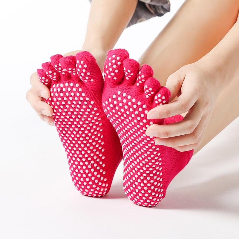Hot Sale Women Anti-slip Yoga Socks Fingers Fitness Pilates  Socks Gym Five Toe Sport Socks Cotton Colourful Elastic Winter