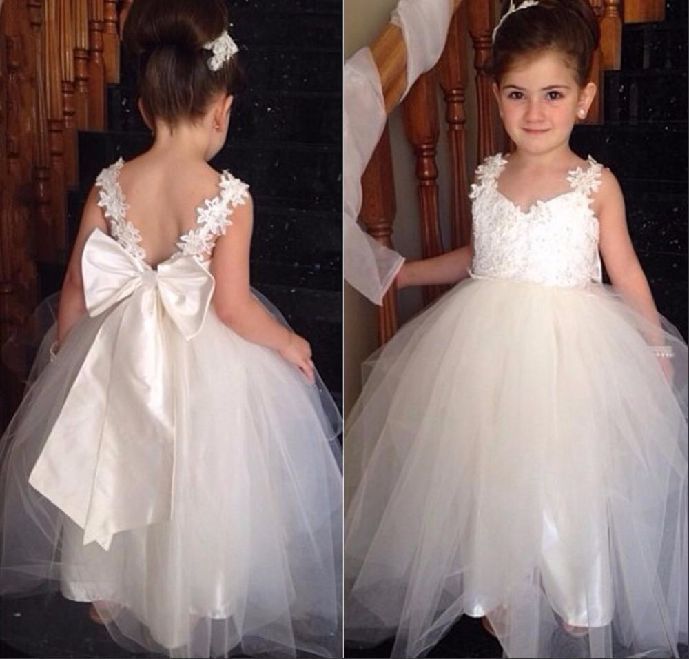 Lovely Flower Girls Dresses For Wedding Two Straps Appliques Tulle Floor Length White Junior Dress Backless Pageant Gown Big Bow