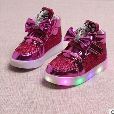 2017 new autumn children s shoes cartoon girls light shoes bright leather LED light anti skid
