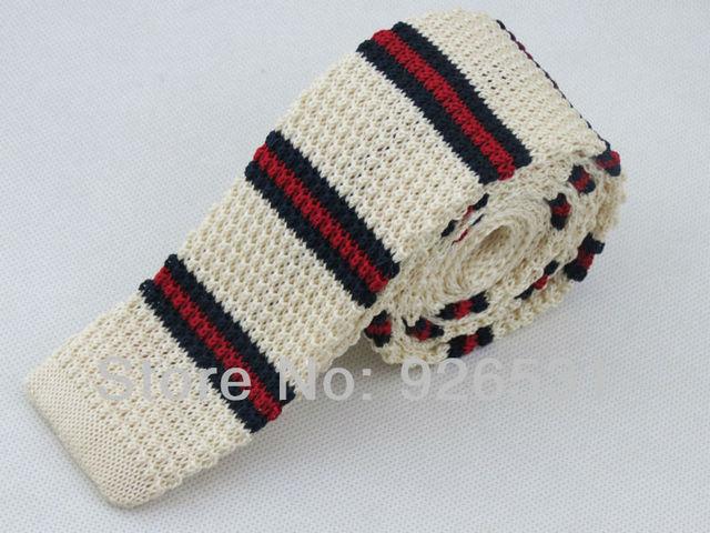 Knitting Tierice Whitered And Black Horizontal Stripe Pattern