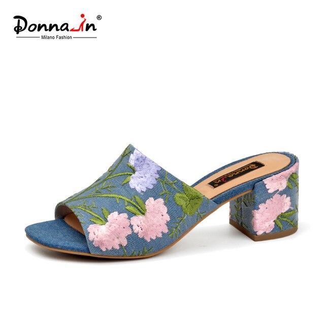 Donna-in/бренд 2018 г. летние женские Вьетнамки, пляжные сандалии с открытым носком на высоком каблуке, украшенные вышивкой, Модная Джинсовая женская обувь
