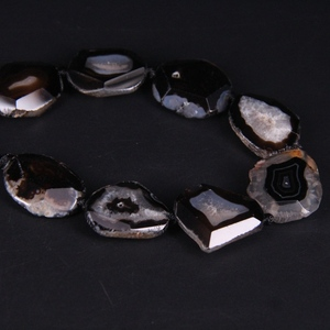 Image 2 - 15 17pcs/strand Black Agates Geode Faceted Slab Nugget Loose Beads,Natural Onxy Stone Drusy Druzy Slice Pendant Nacklace Jewelry