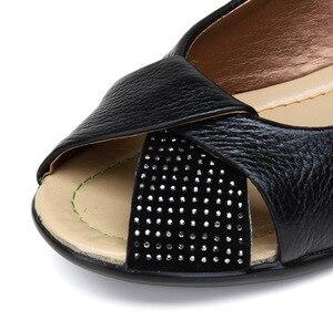 Image 2 - Mais tamanho (35 43) novo 2020 verão sapatos femininos de couro genuíno cunhas casuais sapatos sandálias femininas bombas para mulher