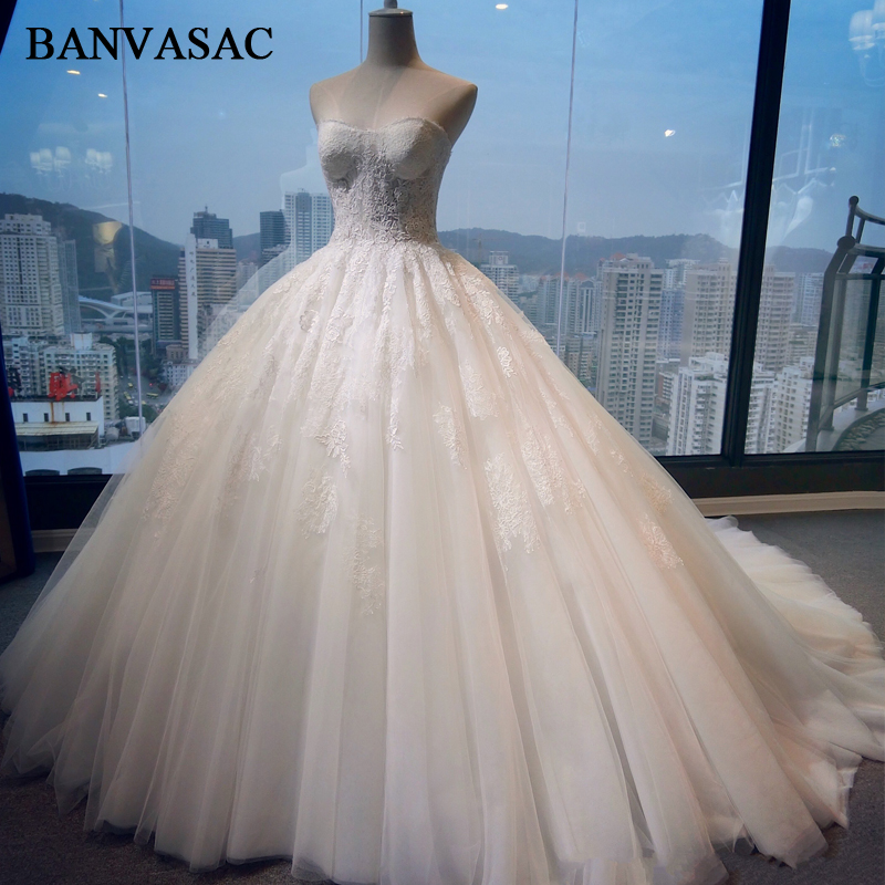 BANVASAC Real Photos 2018 Ball Gown Strapless Plus Size Embroidery Wedding Dresses Lace Appliques Court Train Bridal Dresses