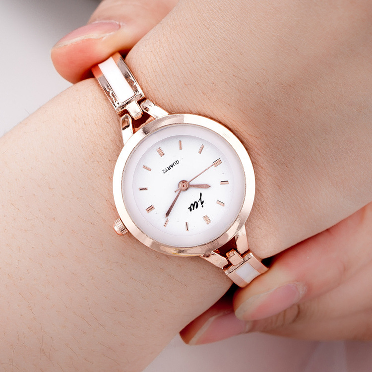 2018 Women Metal Strap Wristwatch Bracelet Quartz watch Woman Ladies Watches Clock Female Fashion Women Watches