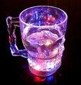14 OZ 400 ml Cabeça Do Crânio Em Forma de LED Coloridas Piscando Vinho Cerveja copo Copo de Café Colorido Indução Copo Da Cerveja do Diodo Emissor de Luz de Natal presente