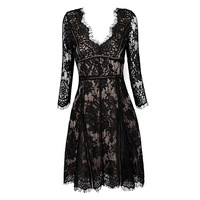 2016 Black long sleeve Sweetheart Neckline Floral Lace Knee Length sexy and elegant Bodycon Bandage Dress