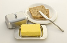 Realand Top Stainless Steel Butter Dish Box Container Elegant Cheese Server Storage Keeper Tray with Easy to Hold Lid