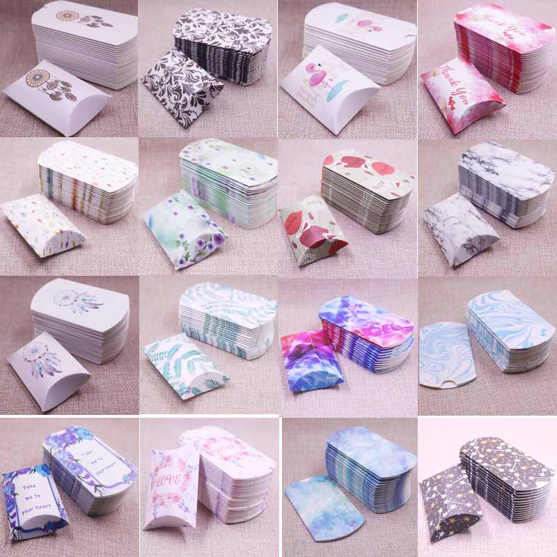 50pcs Newest DIY Design Pillow Box Paperboard Retro Style Candy Packing Ring Display Letter Thank You Love Picture 8x5.5x2cm Box