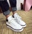 Mulheres Sapatos de Couro Cheia de moda Lace-up Casual Sapatos Respirável Sapatos de Fundo Grosso Alto-top Sapatos de Plataforma Preto Branco Tenis Feminino
