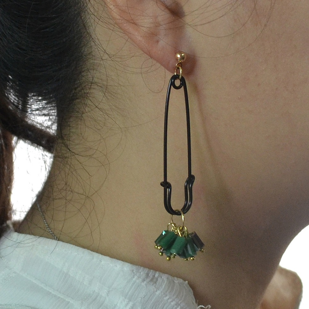 New 2017 Korea Style Fashion Acrylic Beads Tassel Pendants Drop Earrings Unique Safety Pin Dangle Earrings for Women Gifts Party