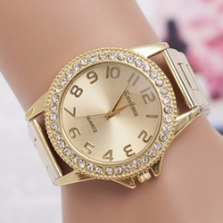Moda Relógios Mulheres Marca de Luxo de Alta Qualidade Em Aço Inoxidável Relógios de Pulso Das Senhoras do Ouro Analógico Quartz Watch relogio feminino