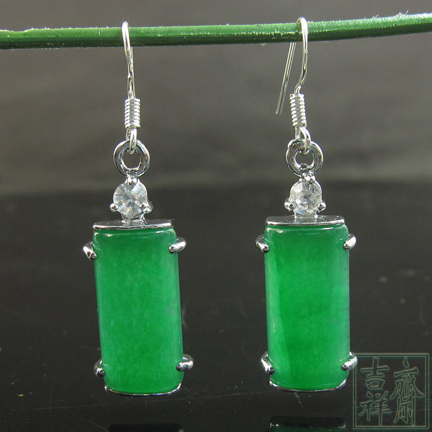 Hot Natural Green Jade Earrings Malay Chinese Earring Whole Free Shipping New Product
