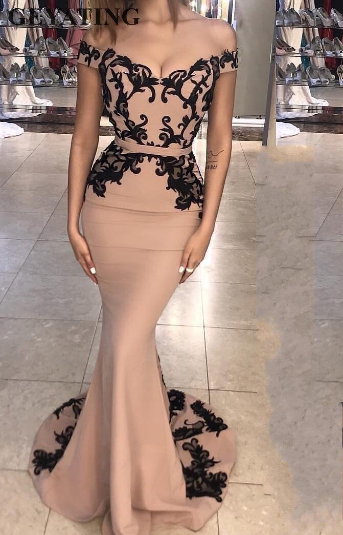 Champagne Long Satin sirène robes de soirée longue 2019 noir dentelle Appliques hors de l'épaule formelle robes de soirée Dubai robe de bal
