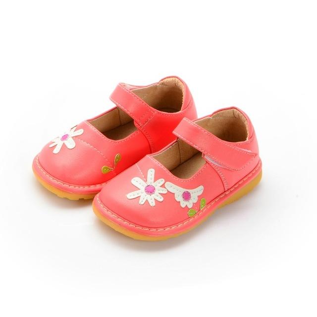 2016 Pretty Infant Toddler Zapatos de Cuero Rosa Margarita Bebé Squeaky Shoes Envío Gratis