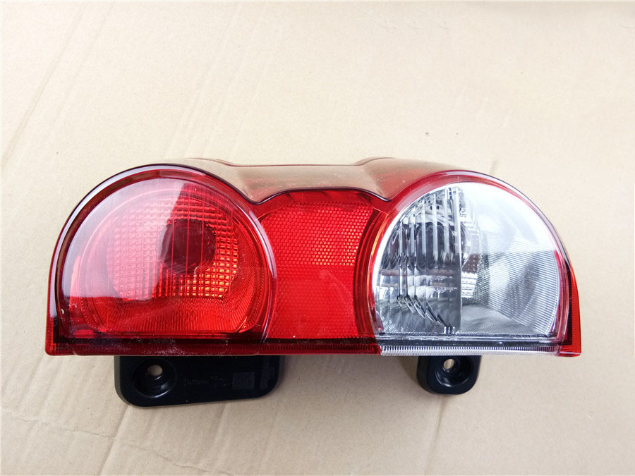 rightside Rear Lights Assembly tail light for Nissan NV200 Tail lamp Rear brake light Rear warning lamp 26550-JX00A 26555-JX31A dongzhen fit for nissan bluebird sylphy almera led red rear bumper reflectors light night running brake warning lights lamp
