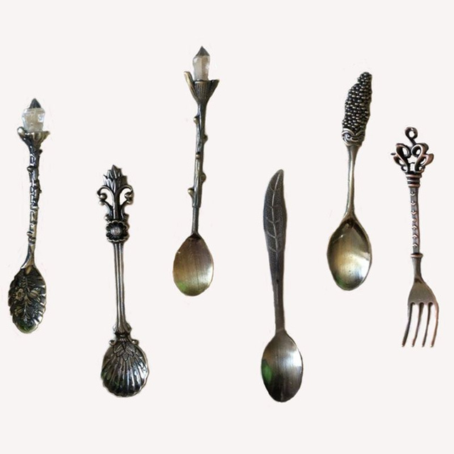 6pcs/Set Kitchen Dining&Bar Nostalgic Vintage Royal Style Bronze Carved Small Coffee  and  Fork for Sweet Snack Dinnerware
