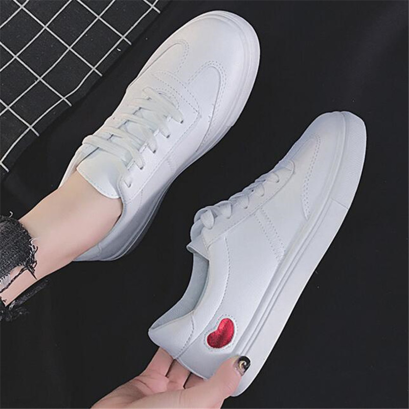 Small white shoes female autumn 2019 new wild casual street ins super fire sneakers