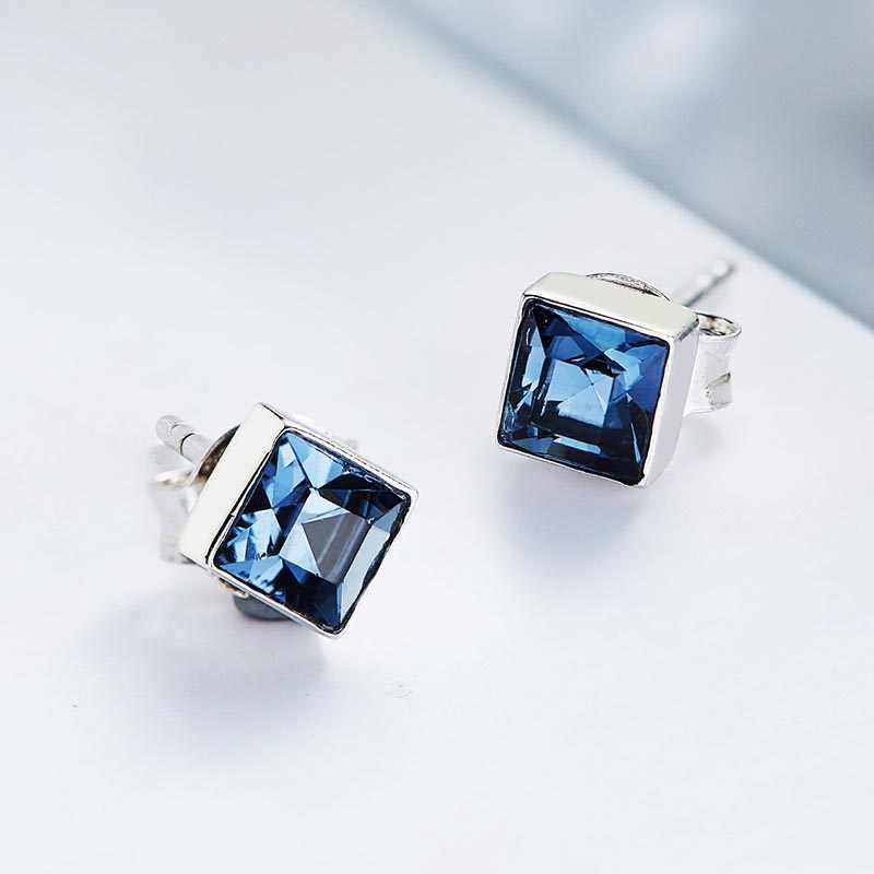 BSL Fine Jewelry Store Prawdziwe 925 Sterling Silver Mały Śliczny Plac Niebieski Kryształ Stadniny Kolczyki Dla Kobiet Urodziny Prezent