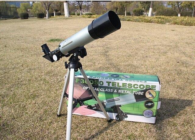 Refrakcji teleskop astronomiczny z przenośny