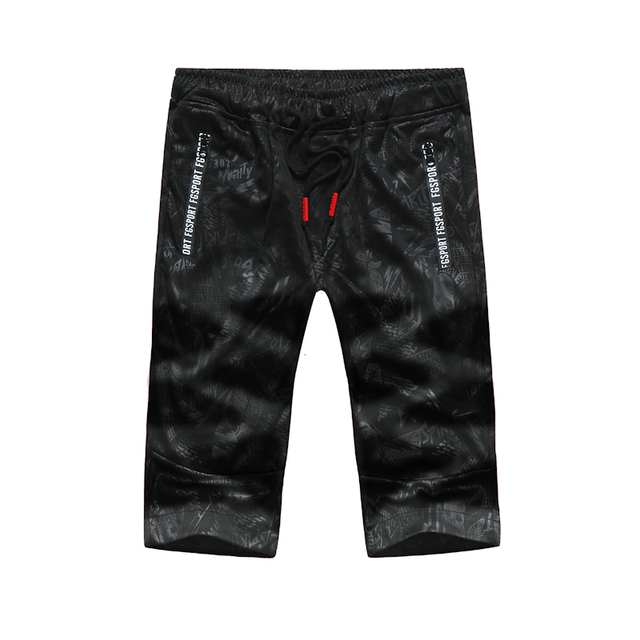 c572f95a14 US $12.2 10% OFF|2018 Shorts Men Cool Camouflage Summer Hot Sale Cotton  Casual Men Short Pants Brand Clothing Comfortable Camo Men Cargo Shorts-in  ...