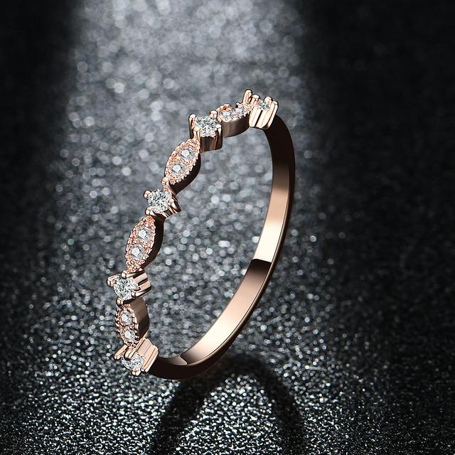 Women's Exquisite Wedding Ring