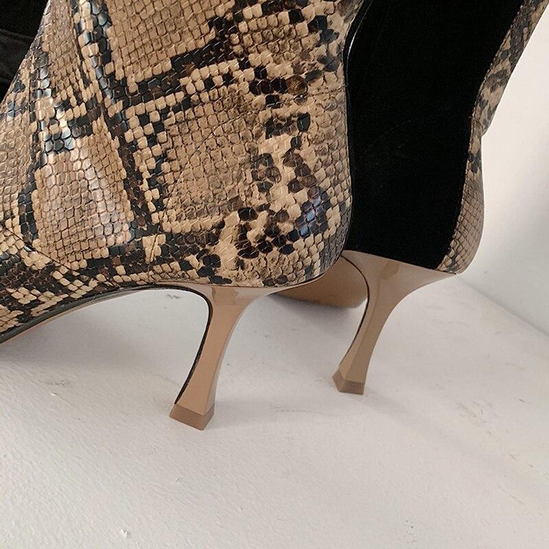 سيلا الحكام 2018 الأفعى الجلد الربط الركبة عالية التمهيد للمرأة الأزياء مربع اصبع القدم رقيقة كعوب أحذية طويلة امرأة Zapatos دي موهير-في بوت للركبة من أحذية على  مجموعة 3
