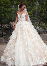 Fantastic Tulle Bateau Neckline Ball Gown Wedding Dresses With Lace Appliques Champagne Bridal Gowns