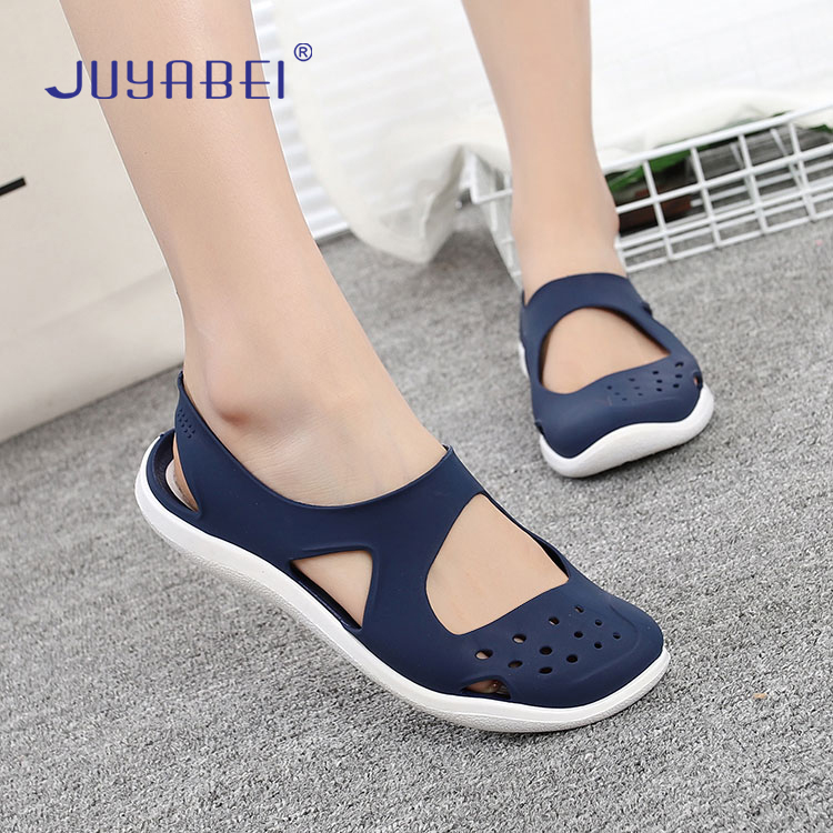 Summer Ladies Hole Shoes Non-slip Soft Bottom Doctor Nurse Work Sandals Hospital Laboratory Beauty Salon Work Medical Shoes
