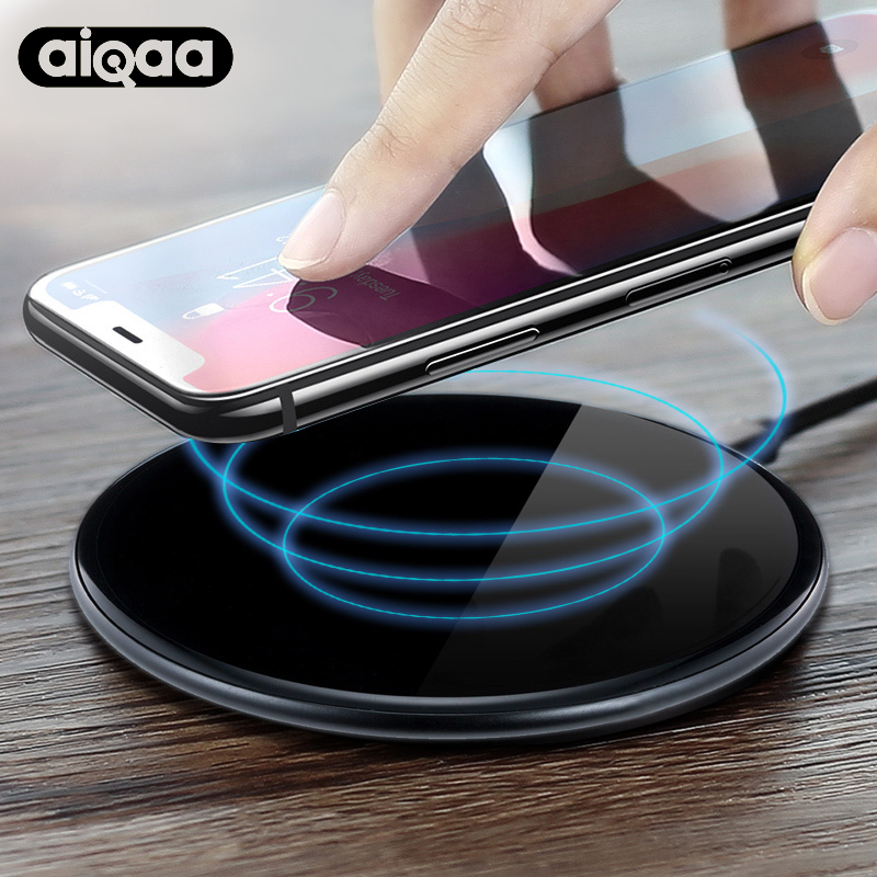 Aiqaa Caricabatterie Wireless Per iPhone 8/X/8 Plus 10 W Qi Veloce Wireless Charging Pad Caricabatterie Wireless per il Samsung Galaxy S8/S7/S8 +
