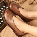 2017 Cuero Genuino Mujeres de Los Planos Zapatos Toes Ronda Talones Planos Hechos A Mano de Cuero de Grano Completo Zapatos del Ocio Cómodo