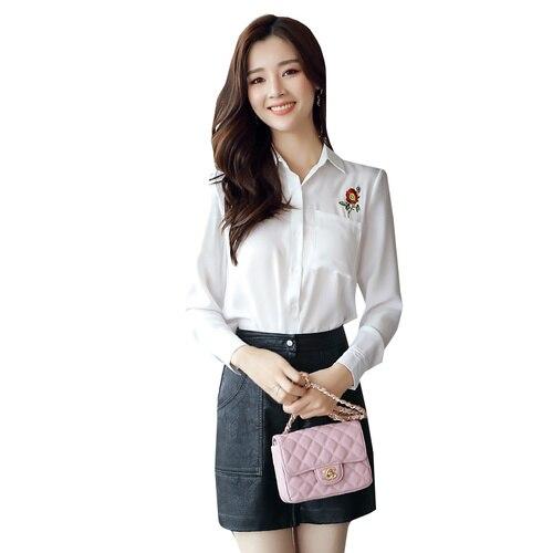 bb88144ff6 Mulheres Tops Chiffon Blusa Outono 2017 Coreano Do Vintage Bordado Floral Manga  Longa Camisa Branca Senhora