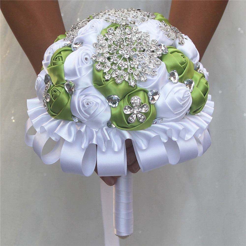 Durable Luxury Grass Green White Silk Flower Bouquet Peacock