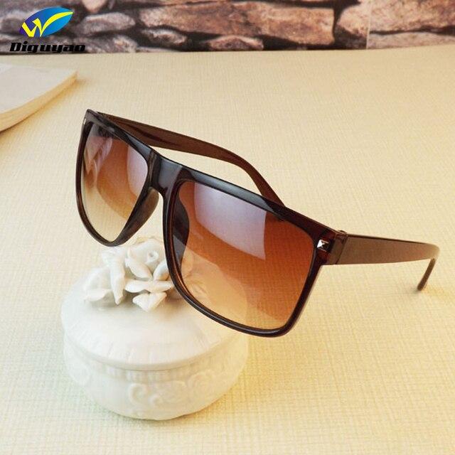 bceb15e3f9c3e Oculos de sol feminino Marca de moda de óculos de sol Quadrado Quadro  Rebite dos homens