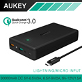 Aukey 30000 mah carga rápida 3.0 power bank saída dual usb móvel carregador portátil de bateria externa para o iphone xiaomi smartphone