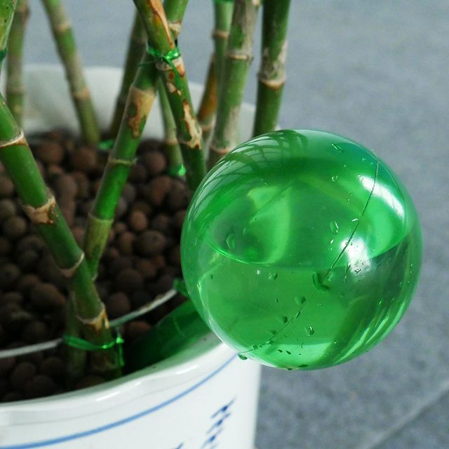 Practical PVC Travel House Plant Bulb Shape Waterer Globes Irrigation Patio Lawn Garden Pot Cans Automatic Self Watering