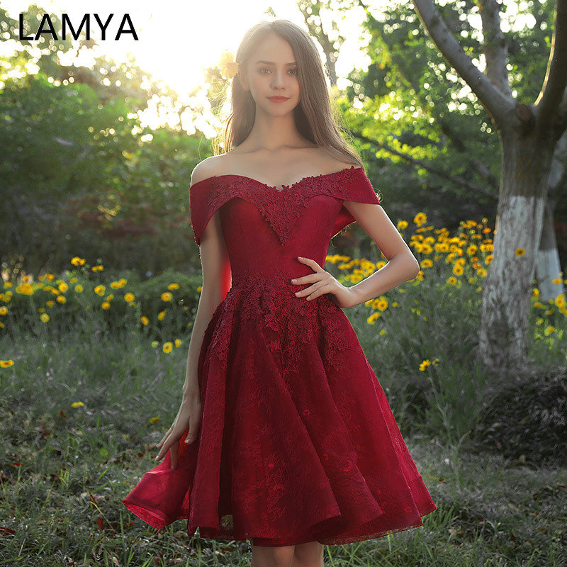 LAMYA Sexy V Neck Lace Knee Length Prom Dresses 2019 Elegant Appliques A Line Evening Party Dress Cheap Vestido De Noiva