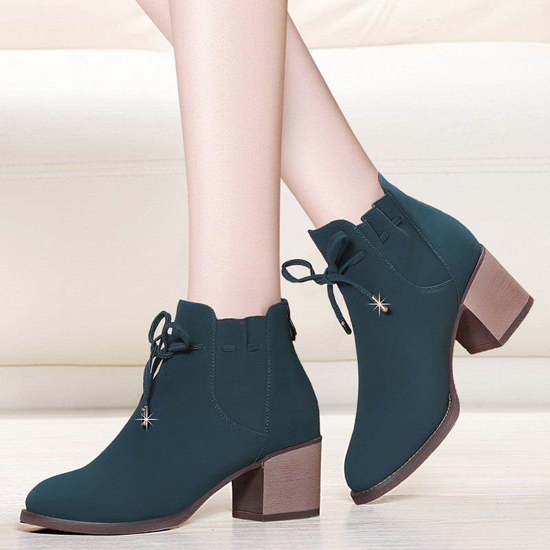Women Cow Suede Leather Ankle Boots Casual Lace Up Boots Fashion Round Toe Oxford Brogue Shoes Women Plus Size YG-A0219