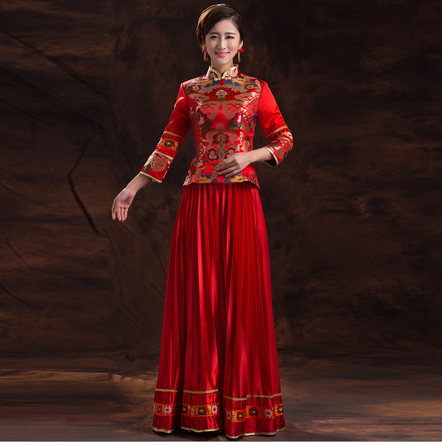 2016 Women Vintage Plus Size Chinese Traditional Dress Long Cheongsam Dress  Elegant Red Satin Wedding Qipao 060e03628d1f