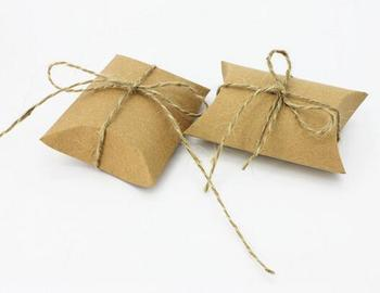 Cute Kraft Paper Pillow Favor Gift Box Wedding Party Favour Gift Candy Boxes Paper Gift Box Bags Supply