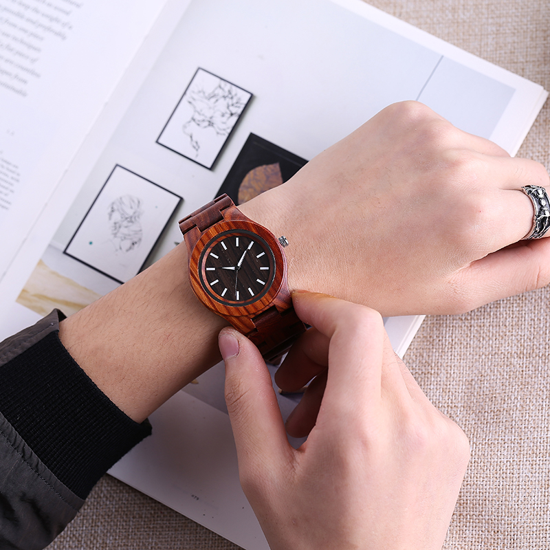 2018 New Fashion Wood Bracelet Watch Men Hot Simple Dial Natural Wooden Male Clock Unique Mens Quartz Wristwatches Cool Men Gift
