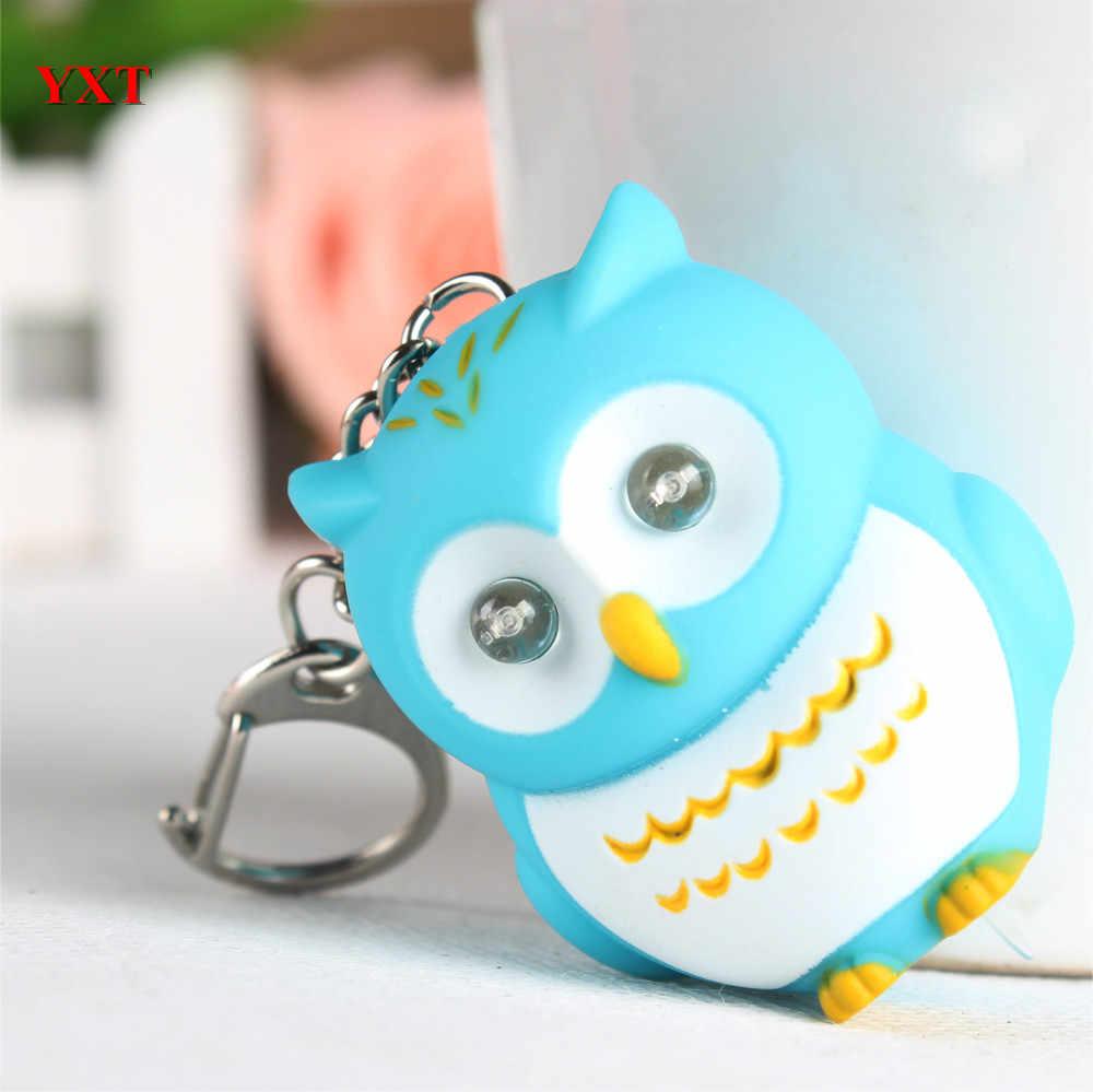 Nuevo diseño búho verde pájaro LED hacer sonido y luz encantadora nueva moda llave de amuleto colgante anillo cadena favorito amigo regalo