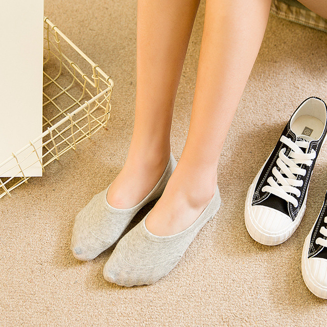 7570a9eaf3be3 4pcs/2pairs Spring Summer Socks Women's ankle Socks super invisible sock  anti-slip lady's female sox woman