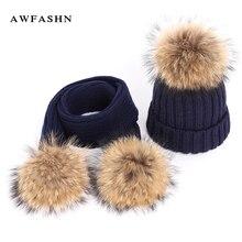 2018 nuevo invierno de piel de mapache pompón de punto gorros sombrero  bufanda conjunto cálido mujer d27e4ae6731