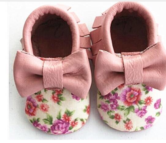 Новый Впервые Ходунки Натуральная Кожа Лук Печати Цветы Детская обувь Смешанные Цвета Малыша Кисточкой Детские мокасины обувь для Девочек