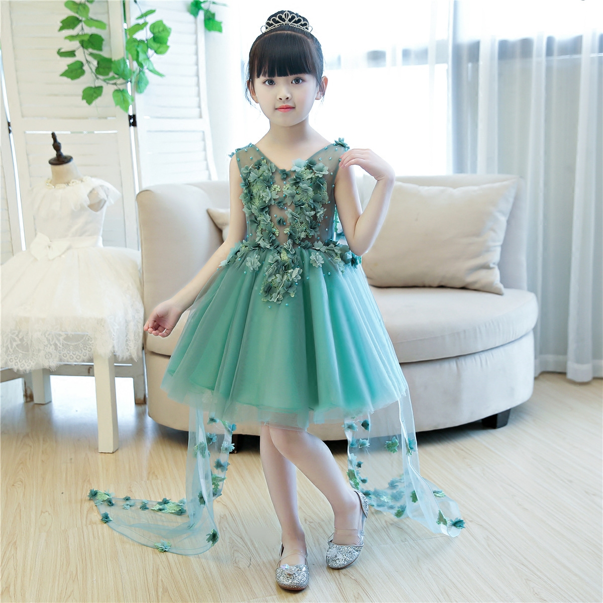 Appliques Kids Ball Gown Dress V-neck Floral Mesh Wedding Gowns Detachable Trail Luxury Pageant Vestidos for Princess Girl S134